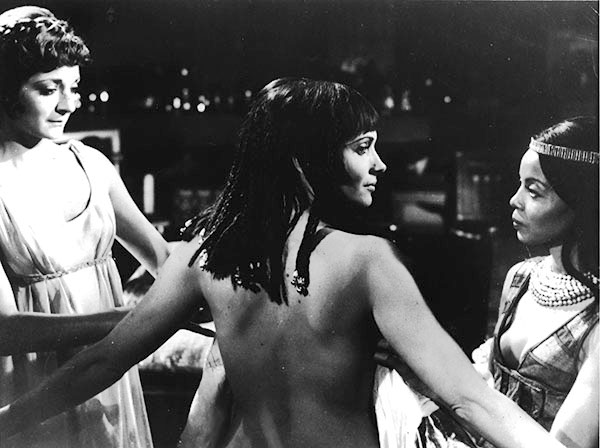 antony and cleopatra cleopatra in 1972 film shakespeare 39 s staging. Black Bedroom Furniture Sets. Home Design Ideas