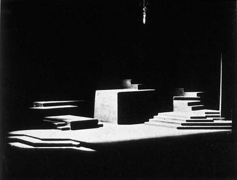 Hamlet: Set Design by Norman Bel Geddes (1893-1958)